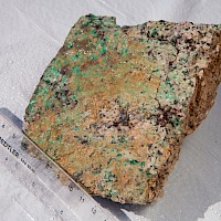 Fracture controlled malachite in Quartz Monzonite